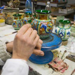 produzione-oggetti-ceramica-artistica-DSC_4078
